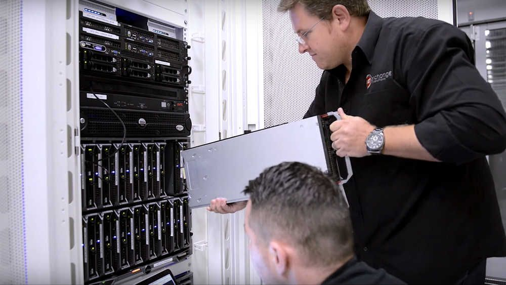2Surge Hosting Data Center - Europe: Server Maintenance