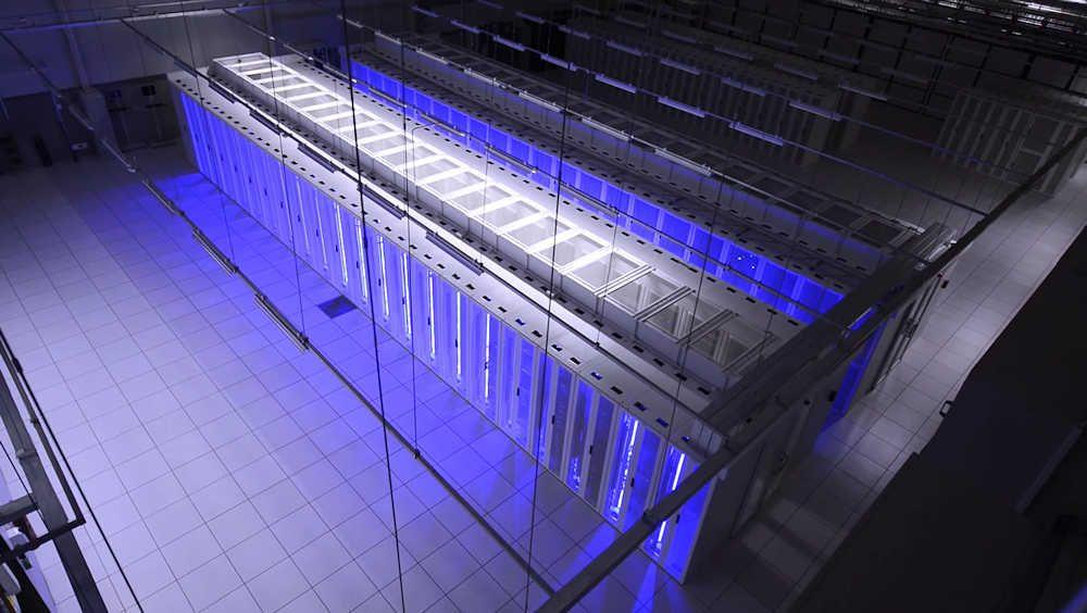 2Surge Hosting Data Center - Europe: Server Room