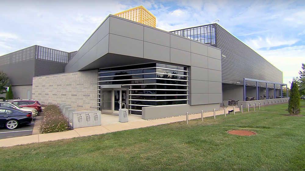 2Surge Hosting Data Center - USA: Building