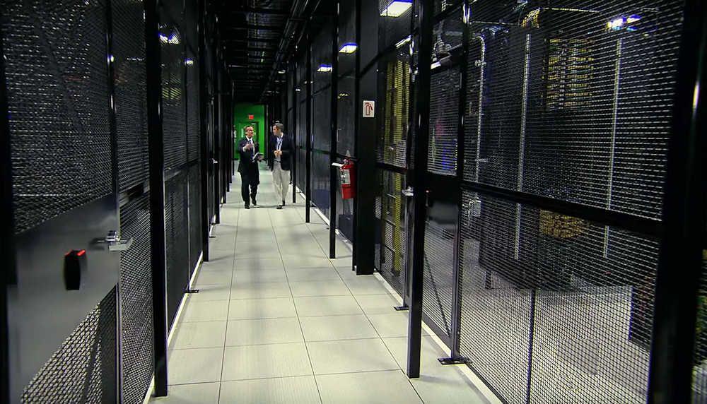 2Surge Hosting Data Center - USA: Server Cages